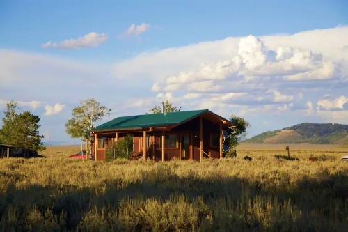 2-bedroom-cabin-in-the-middle-of-Grand-Teton-National-Park