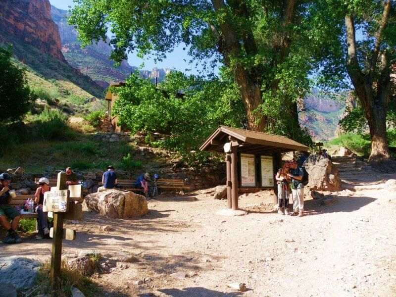 Indian-Garden a stop on Bright Angel Trail in Grand-canyon