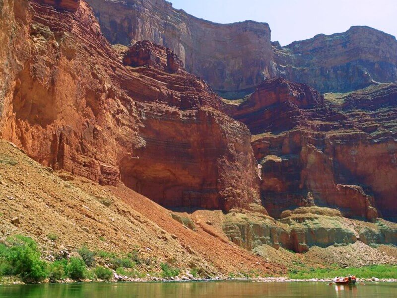 small raft in large Grand canyon