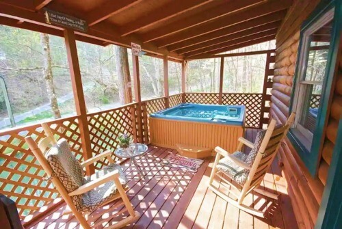 Fishpond Cabin Airbnb Gatlinburg Tennessee_Great Smoky Mountains National Park