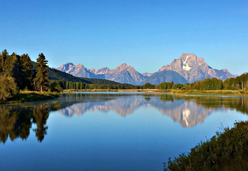 Grand-Tetons-from-Oxbow-Bend-morning