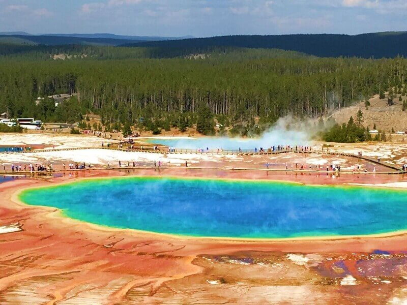 View-of-boardwalks-around-Grand-Prismatic-Hot-Springs